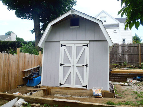 Brian's nice paint job on his 12x12 shed with loft.