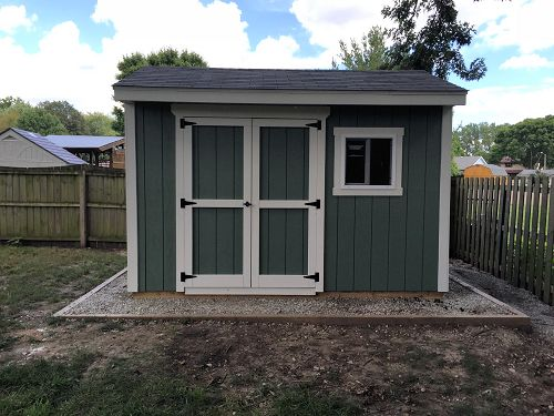 A view of the finished front of Dans 12x10 saltbox shed.
