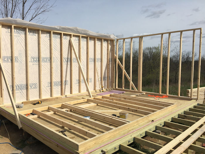 Building shed walls the right way is not hard.
