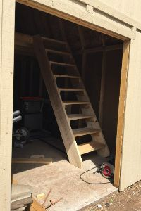 Pictures of sheds - Heathers stairway up to the huge loft
